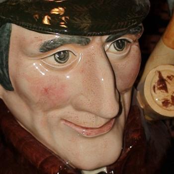 "Sherlock Holmes ""The Sleuth"" Toby Jug Royal Doulton 1972 - China and Dinnerware"