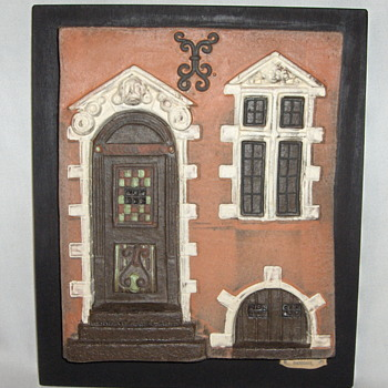 Unusual Plaster Cast Danish Vintage City House Front, Mounted Wall Hanging & Signed - Pottery