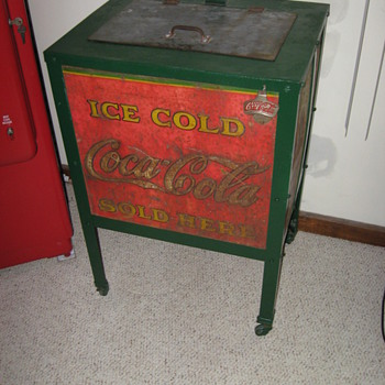 Moss Beverage Cooler Coca Cola from the 30's - Coca-Cola