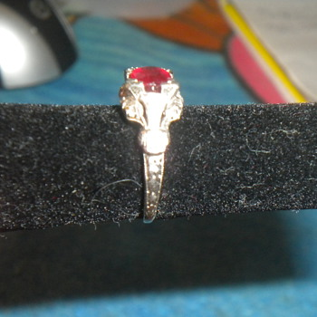 any info on what kind of ring this is #2 someone asked for different pics - Fine Jewelry