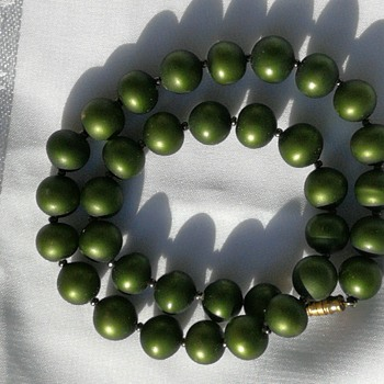 Foiled glass bead necklace, 1950's? - Costume Jewelry
