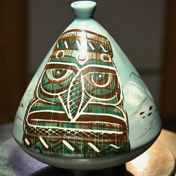 Sascha Brastoff Tripod Ashtray - Tiki Theme - Pottery