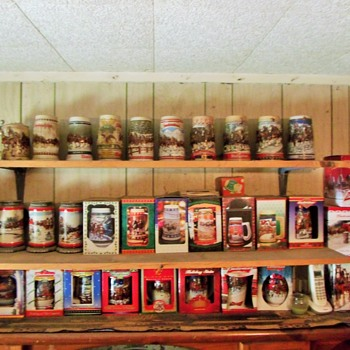 Complete Set Of Budweiser Holiday Steins.... Christmas Gifts though out the years - Breweriana