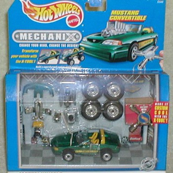 "Hot Wheels ""Mechanix"" Mustang Convertible - Model Cars"