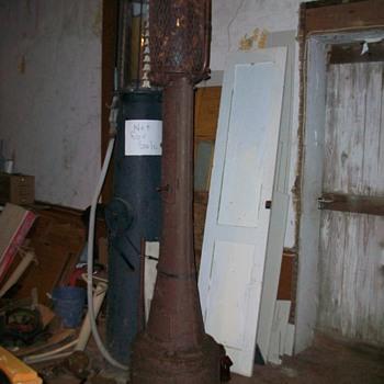 Fry May West Visable Gas Pump - Petroliana