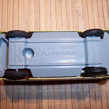 Volkswagon tow truck - Model Cars