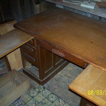 Harvard desk - Furniture