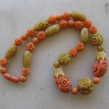 1920's-30's carved celluloid necklace - Costume Jewelry