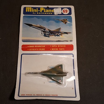 Bachmann Mini-Planes Mirage 4A French & Israeli Fighter On Card 1970s - Toys