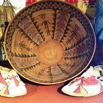Native basket in NH museum - Native American