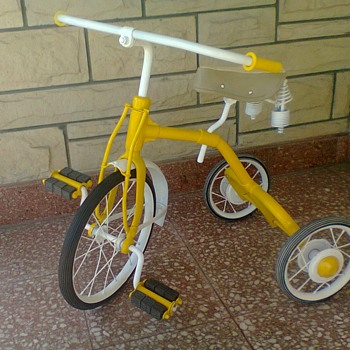 Help to know, brand, country, and approximate year of manufacture of this restored tricycle. - Toys
