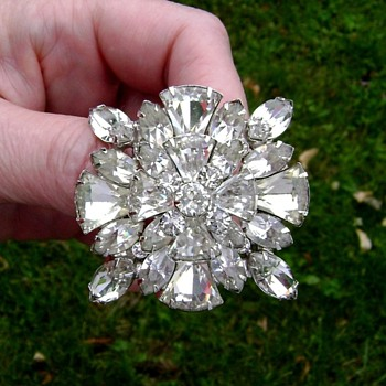 Eisenberg Brooch - Costume Jewelry
