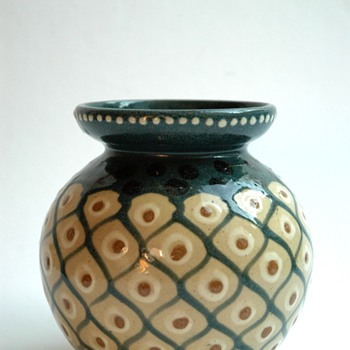 "french art deco  pottery vase with ""ananas"" pattern by LEON ELCHINGER - Art Deco"