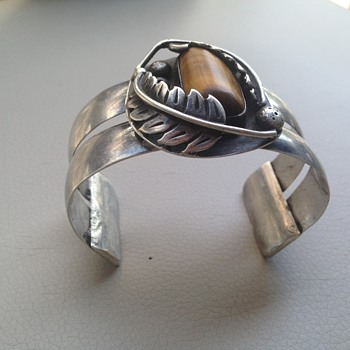 Navajo cuff bracelet but want to know the artist.