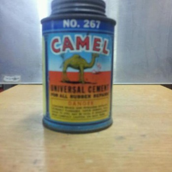 camel universal cement can - Petroliana