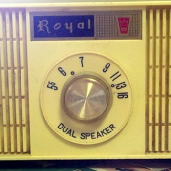 Sansei (SEC) Royal Dual Speaker Tube Radio