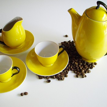 Art Deco or Eames Porcelain Coffee Set? - China and Dinnerware