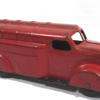 Wyandotte Tanker Truck - Model Cars