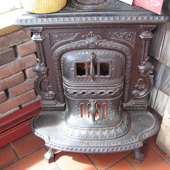 2 Cast Iron Corner Parlor Stoves J.L.Mott New York and Southard and Robertson Peekskil New York - Kitchen