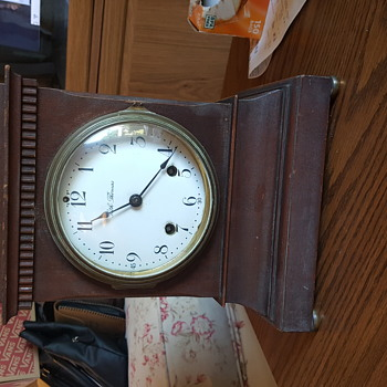 Seth Thomas steeple mantle clock. - Accessories