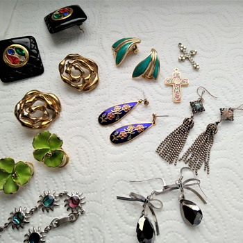 Huge vintage jewelry lot - Part 4 - Costume Jewelry