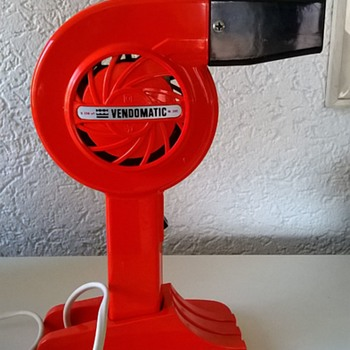 Vintage 1960s/1970s Vendomatic Hair Dryer By Kenko Thrift Shop Find $2.00