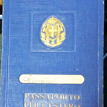 Fascist era 1933 Italian Family passport