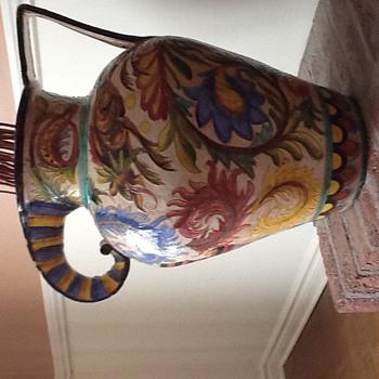 Beautiful old ceramic vase. - Pottery