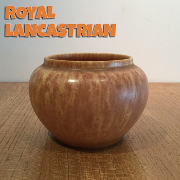 ROYAL LANCASTRIAN VASE c. 1930 - Pottery