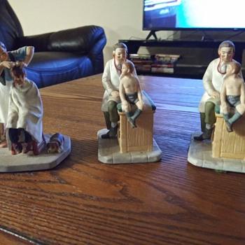 Three Vintage Figurines - Figurines