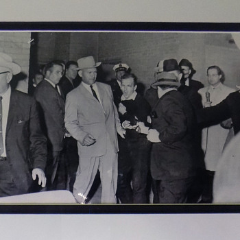 Original Chicago Sun Times Master uncropped Photo of Oswald Assassination.  - Photographs