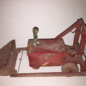 Folk art wooden tracker painted red  mystery?   - Folk Art