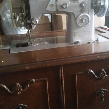 Kenmore sewing machine in cabinet model 117.305 - Sewing