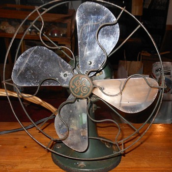 GE Model 19X257 Electric Fan Late 20s. - Tools and Hardware