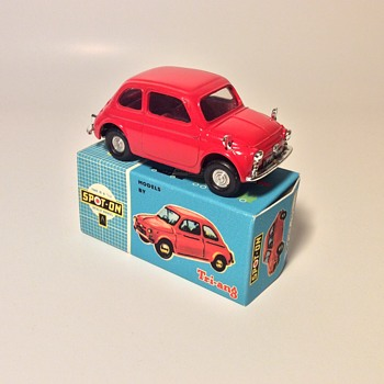 Tri-ang Spot On no.185 Fiat 500 - Model Cars