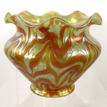 Loetz PG 1/104 shade for Bakalowits c.1901. - Art Glass