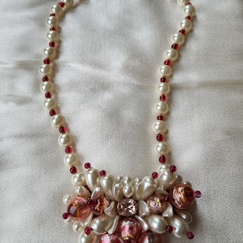 A fine quality costume jewelry necklace of unknown origin to me  - Costume Jewelry