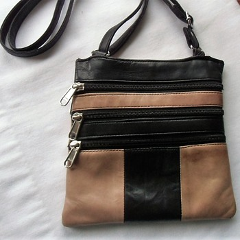 Back of the thrift store - 1980s calf skin leather night club purse - Bags