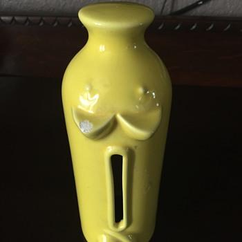 Calif USA ceramic Mystery