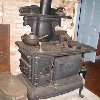 Borden Comet Stove - Kitchen