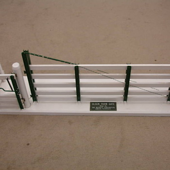 SALESMAN SAMPLE ADJUSTABLE GATE - Advertising