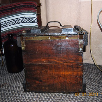 Old Egg Crate for transporting eggs. - Furniture