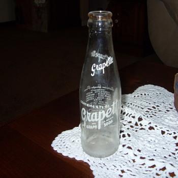 muncie indiana 6oz grapette soda bottle