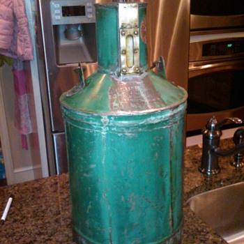 5 gallon Fluid Measure Wm Neil Co. old gas measure after cleanup - Petroliana