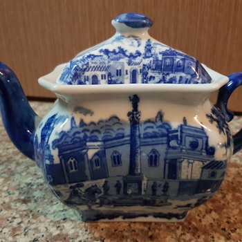 A new old teapot to my collection - China and Dinnerware