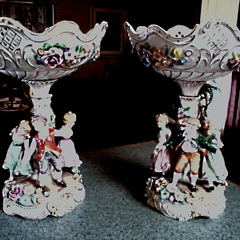 "Beautiful Pair of "" Von Scheirholz ""Porcelain Compotes/Plaue, Thuringia, Germany/ Circa 1930's-1940's - Figurines"