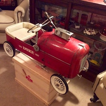 "Tri-ang Duke pedal car with period extras ""The Jim Clarke Special"" - Toys"