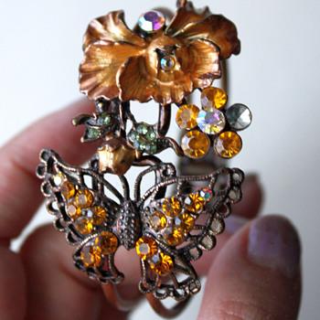Clamper bracelet - vintage? - Costume Jewelry
