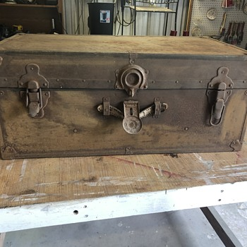 Military trunk-Belber? - Furniture