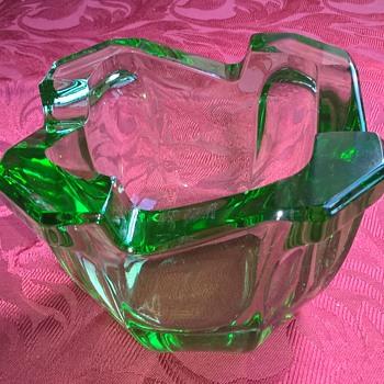 Uranium glass ashtray? - Art Glass